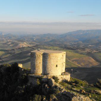 Castillo Montellano